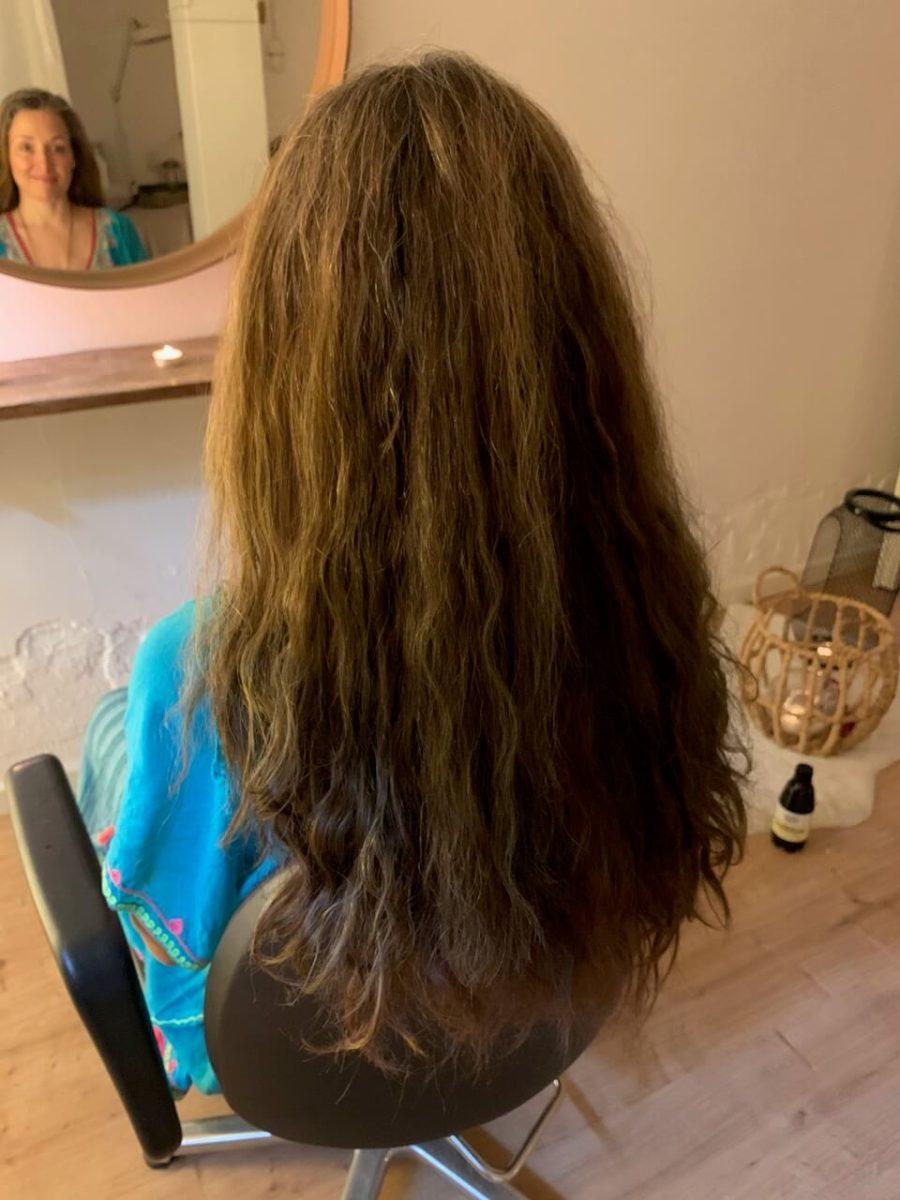 luonnonkiharat hiukset