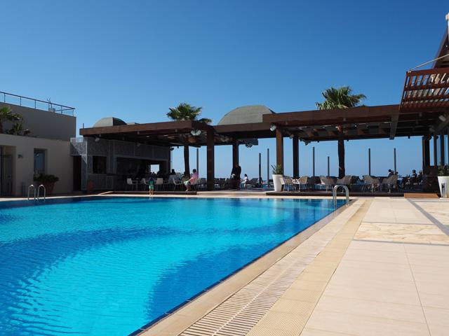 Minoa Palace resort uima-allas