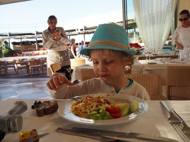Minoa Palace resort lasten kanssa