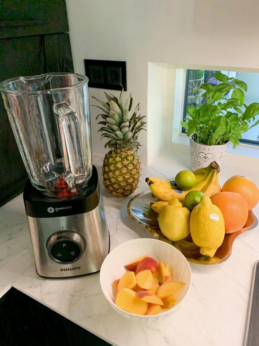 persikka-ananasmehu terveysjuoma