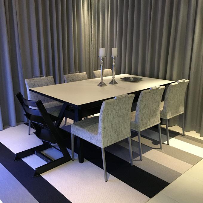 skovby-ruokapöytä